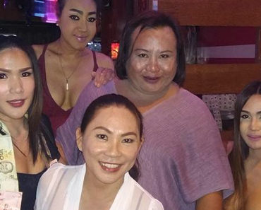 Review of Friend's Corner ladyboy bar in Chiang Mai Thailand